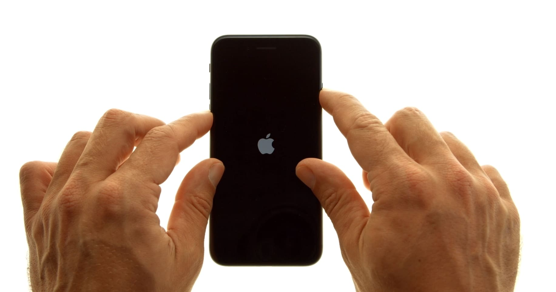 Перезагружается iPhone 6 Plus
